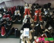 潮牌鞋子服饰一手货源,支持免费合作一件代发
