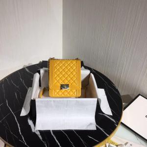 一比一高仿奢侈品BV香奈儿LOEWE包包工厂放货支持退换货 一手货源 微商货源网 微商货源 货源 货源网 微商 奢侈饰品  第2张