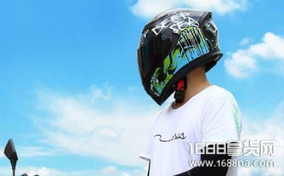 摩托车头盔夏天太热了怎么办 电动车头盔被偷了可以报警吗 夏天 摩托车 报警 电动车 头盔 品牌百科  第1张